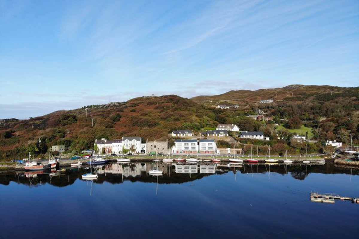 Terraced House for sale 2 Clifden Quay, Beach Road, County ...