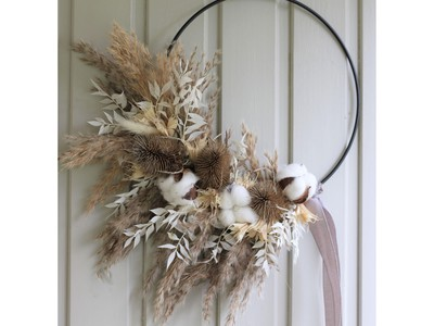 Christmas Comes Knocking - The 10 Most Stylish Wreaths for your Front Door!
